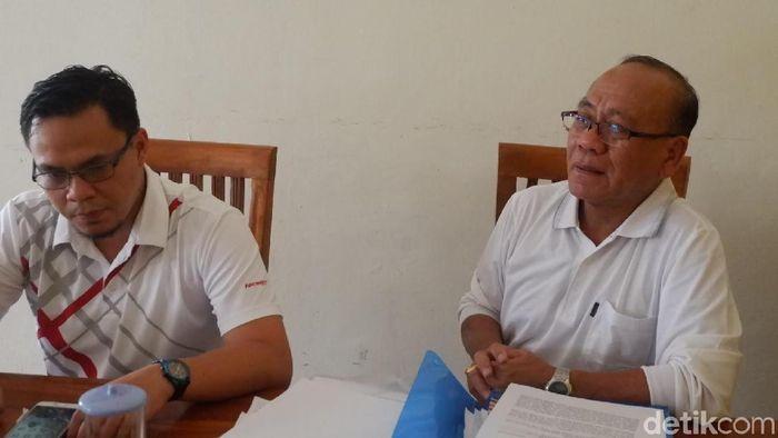 Kuncoro, pengacara Priyanto terduga pengaturan skor yang dilaporkan Persibara Banjarnegara. (Uje Hartono/detikSport)