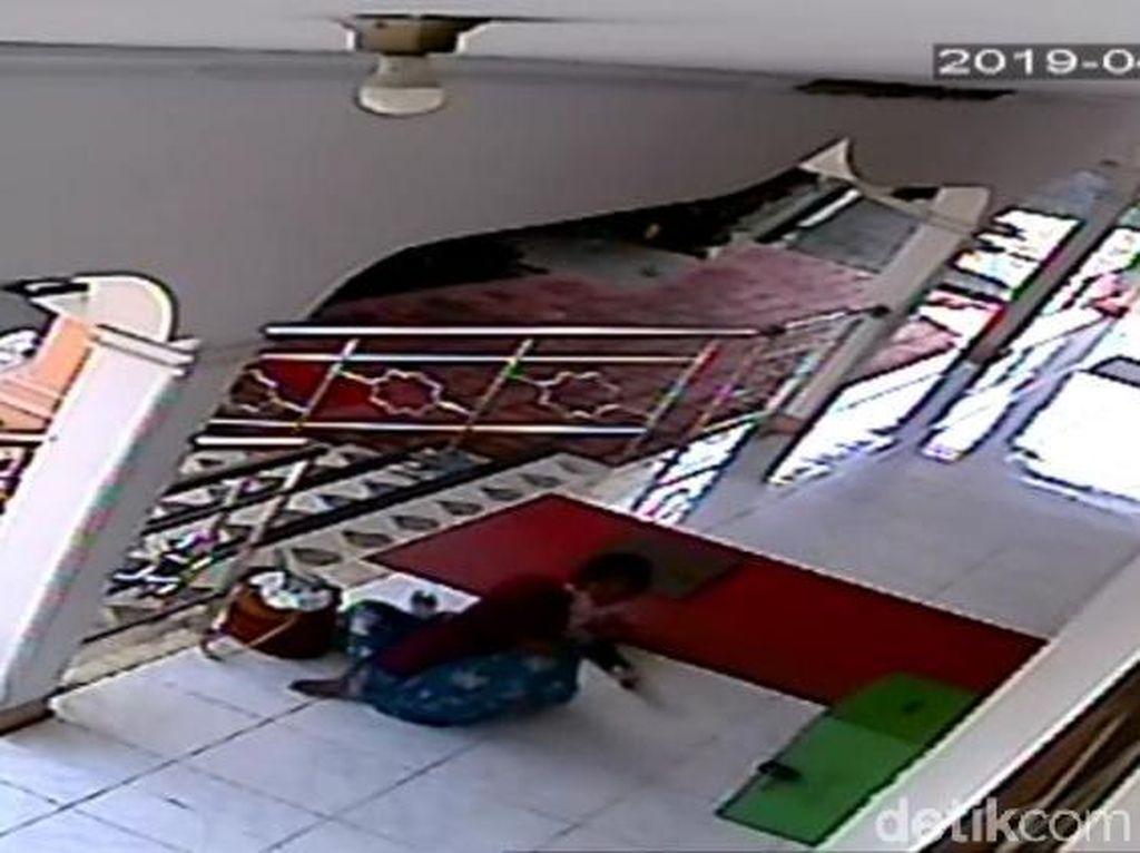 Balita yang Diculik di Masjid Bekasi Ditemukan di Stasiun Pasar Senen