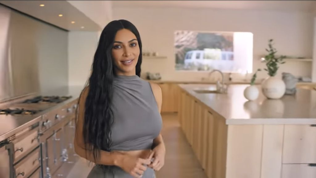 Potret Rumah Super Minimalis Kim Kardashian Bernilai Rp 849 Miliar