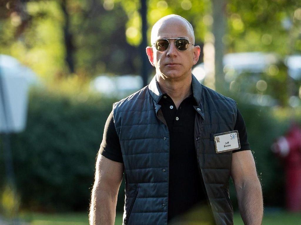 Bukan Mobil Mewah, Orang Terkaya di Dunia Jeff Bezos Dulu Mimpi Punya Forklift