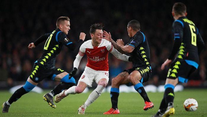 Napoli bakal manfaatkan catatan buruk Arsenal di laga tandang. (Foto: Ian Walton/Reuters)