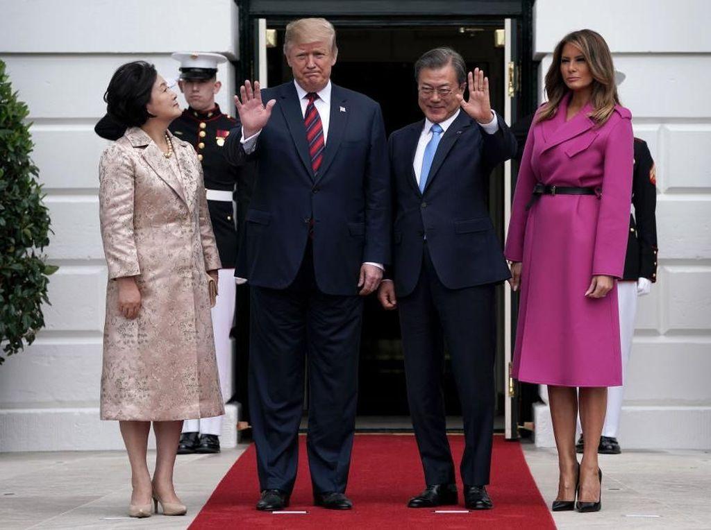 Gaya Melania Trump saat Bertemu Presiden Korsel, Pakai Gaun Rp 67 Juta