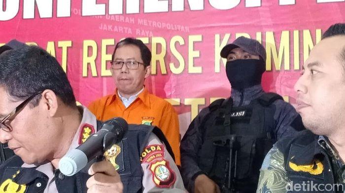 Joko Driyono diborgol dan kasusnya dilimpahkan ke Kejaksaan Negeri Jakarta Selatan.  (Samsudhuha Wildansyah-detikSport)