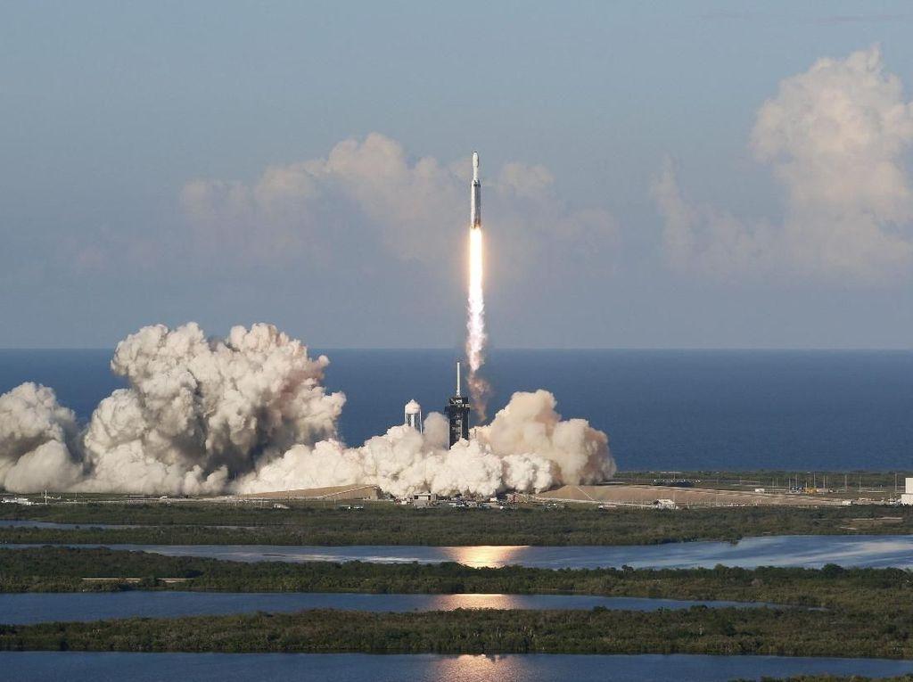 SpaceX Kehilangan Inti Roket Milik Falcon Heavy, Kok Bisa?
