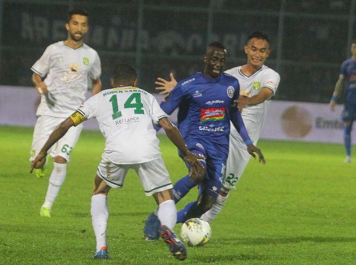 Arema FC saat menjamu Persebaya Surabaya di leg II final Piala Presiden 2019. (Foto: Ari Bowo Sucipto/Antara)