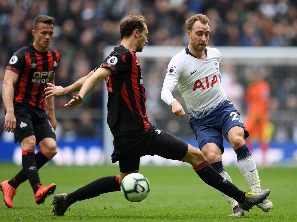 Tottenham Unggul 2-0 atas Huddersfield di Babak I