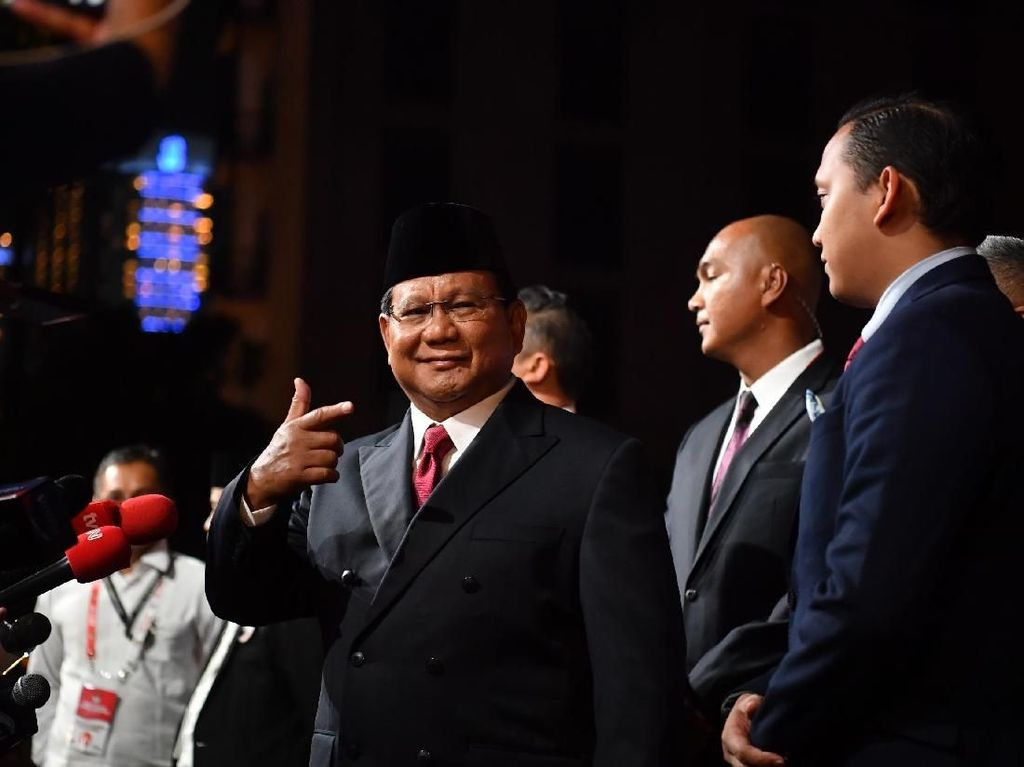 Hadiri Debat, Prabowo Naik Alphard Putih, Sandiaga Tetap Naik X-Trail