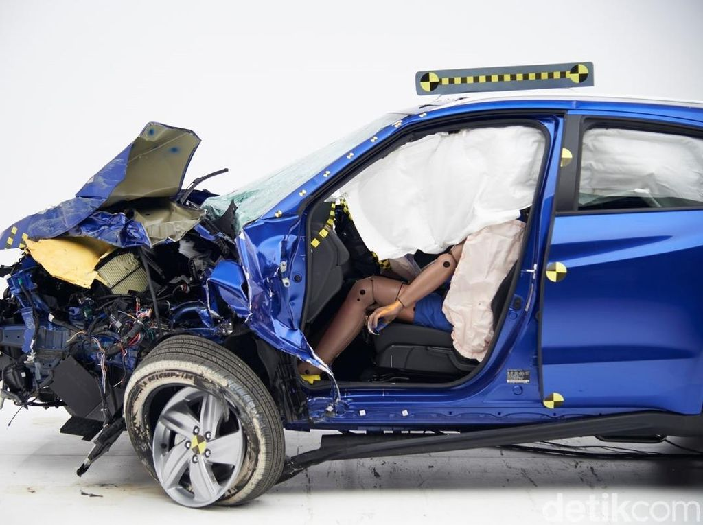 Mengerikan! Ini yang Terjadi Saat Kecelakaan dan Penumpang Tak Pakai Sabuk Pengaman