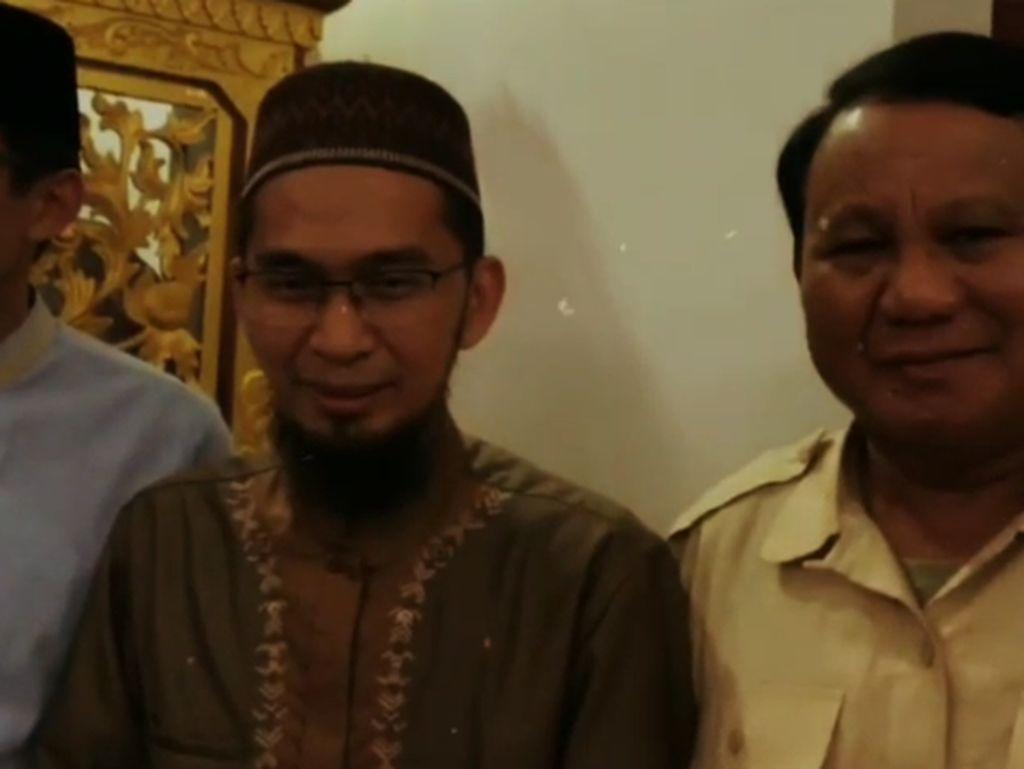 Adi Hidayat ke Prabowo: Akan Saya Gandeng Tangan Anda ke Surga...