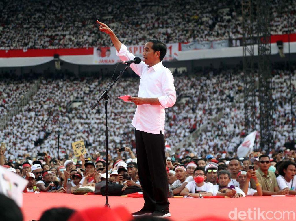 Lagu Bareng Jokowi Tutup Konser Putih Bersatu