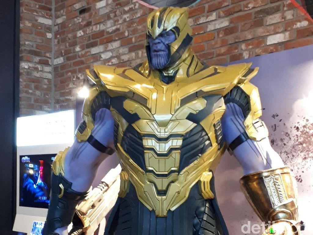 Thanos Jadi Rebutan Foto di Seoul