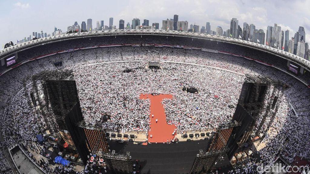 Pol! Massa Jokowi-Amin Putihkan GBK