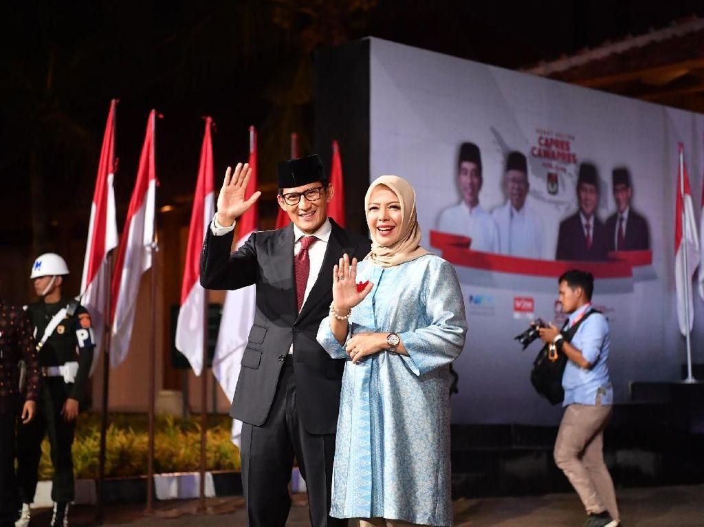 Konsisten, Istri Sandiaga Uno Pakai Baju Biru Lagi di Debat Capres Terakhir