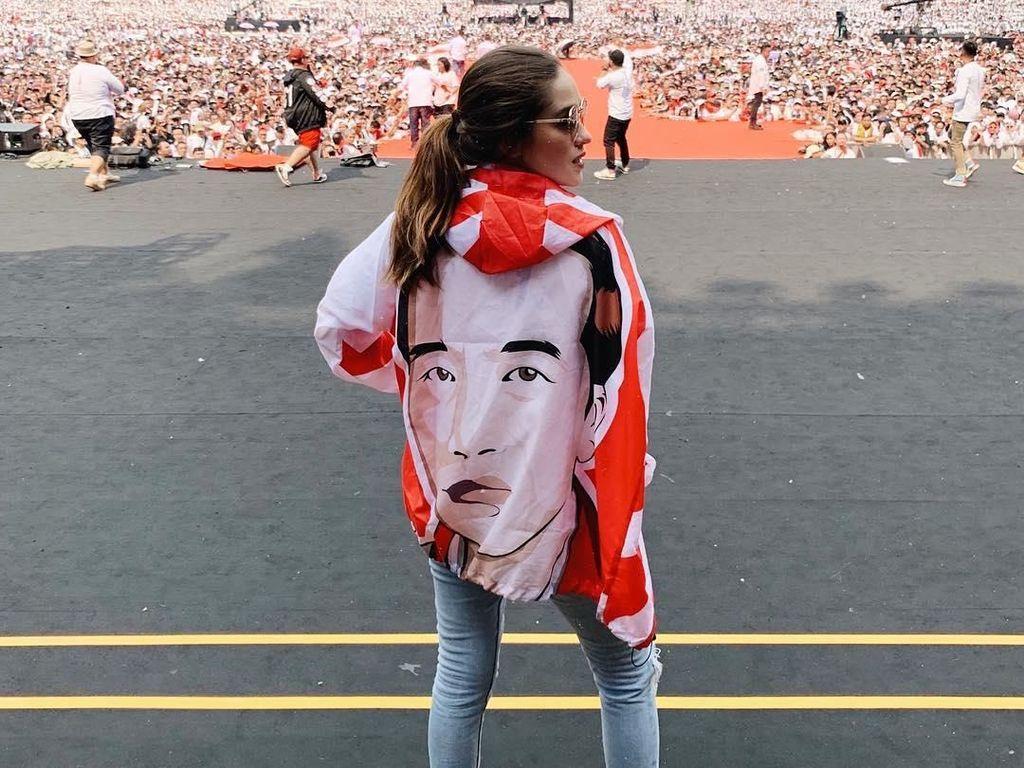 Gaya Para Artis Putihkan GBK di Kampanye Akbar Jokowi-Maruf