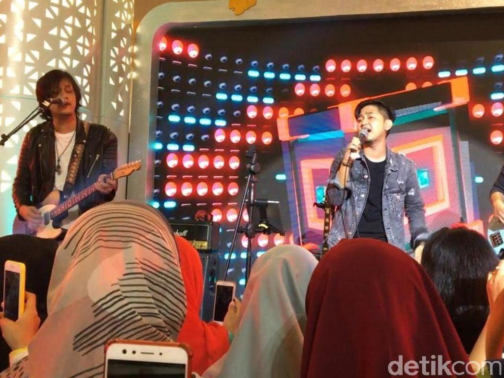 Malam Minggu Seru Bareng Kanda Brothers di dHot Music