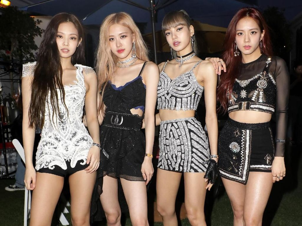 Intip Interaksi BLACKPINK dan Jaden Smith di Coachella