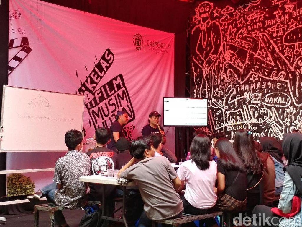 Puluhan Milenial Bandung Belajar Buat Film Dari Kru Dilan