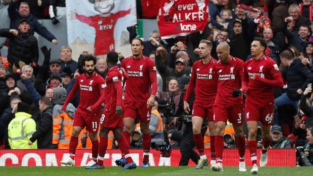 Liverpool berhasil menaklukkan Chelsea di Anfield.
