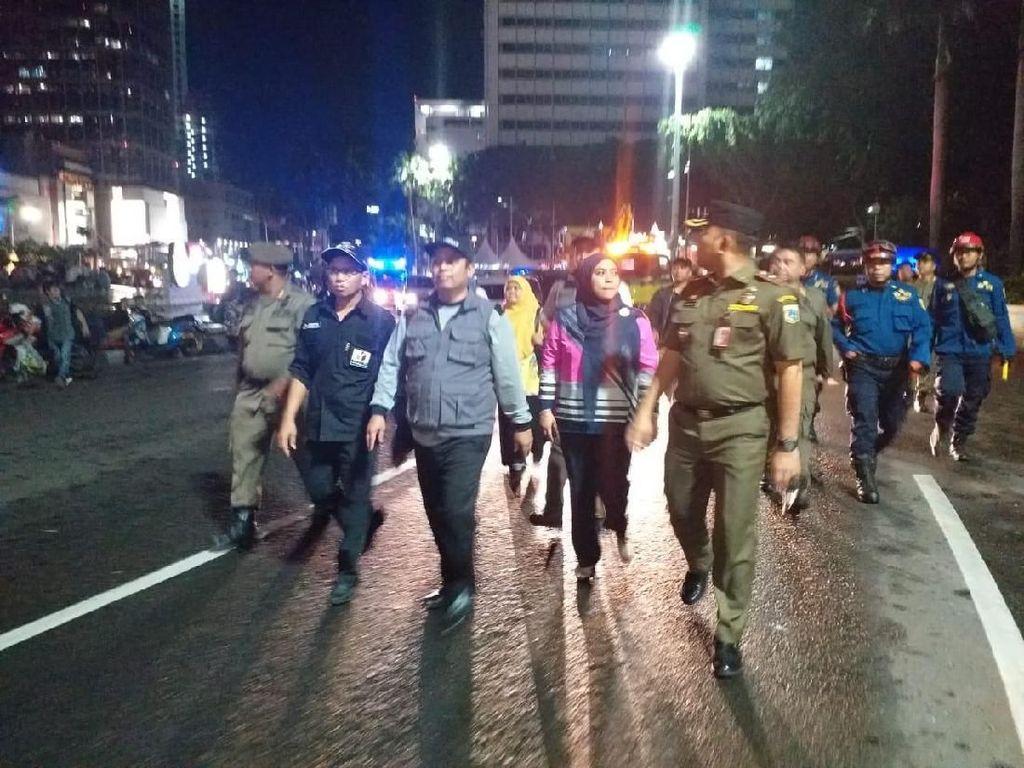 Bawaslu DKI Mulai Bersihkan Baliho Kampanye Caleg-Capres