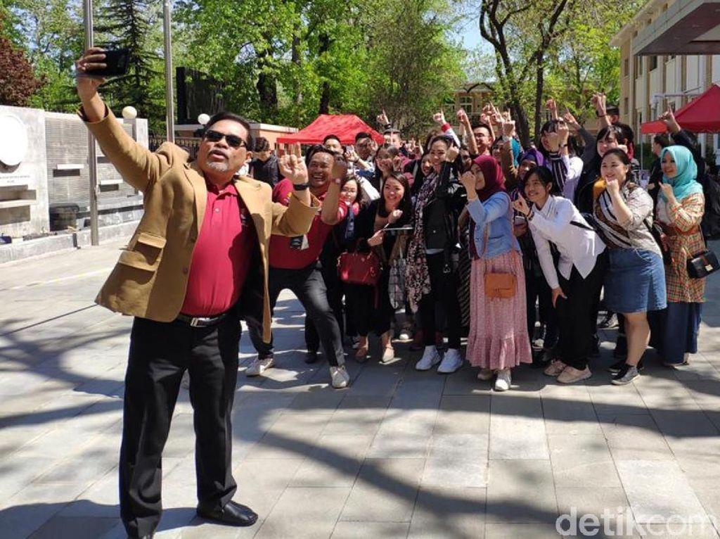 Suasana WNI Nyoblos di KBRI China