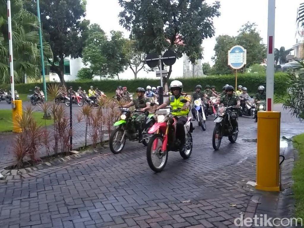 Masa Tenang Pemilu, Polri-TNI Patroli Keliling Kota Surabaya