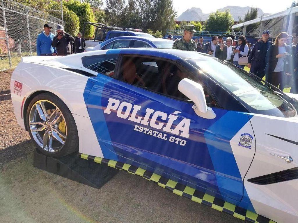 Mobil Sport Sitaan yang Jadi Mobil Polisi