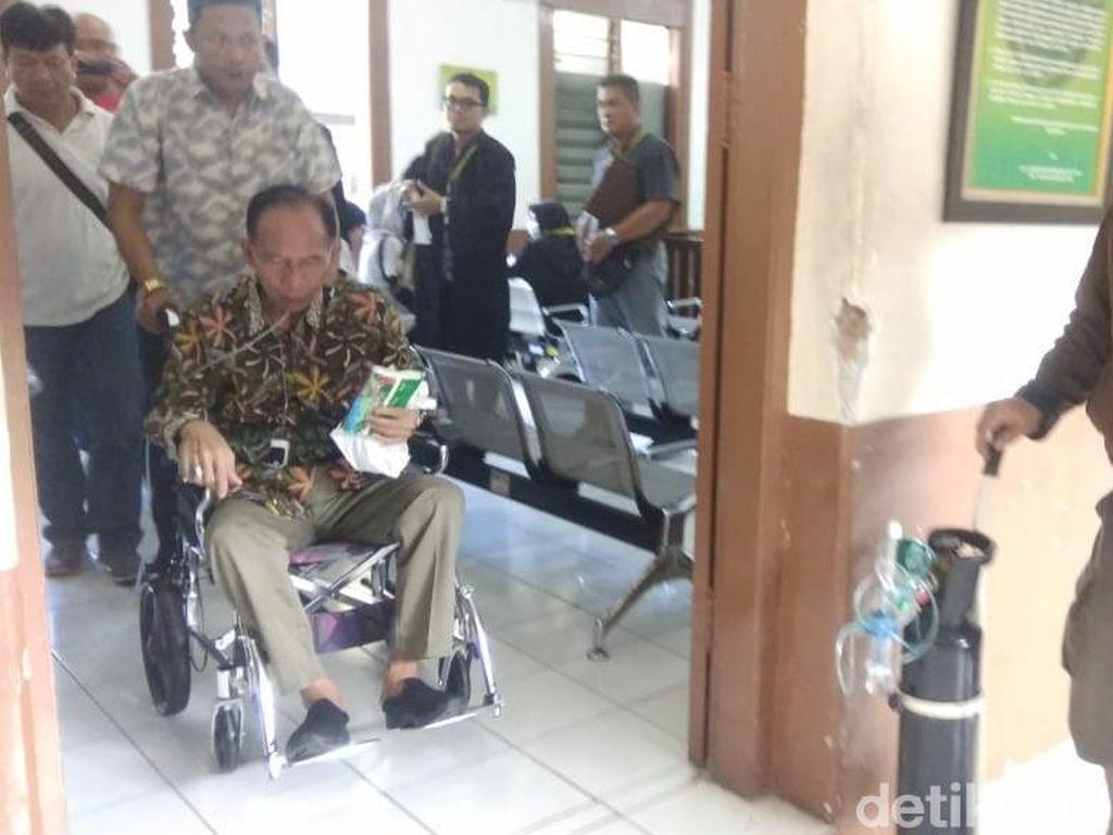 Eks Wali Kota Cimahi Itoc Sakit, Sidang Korupsi Ditunda