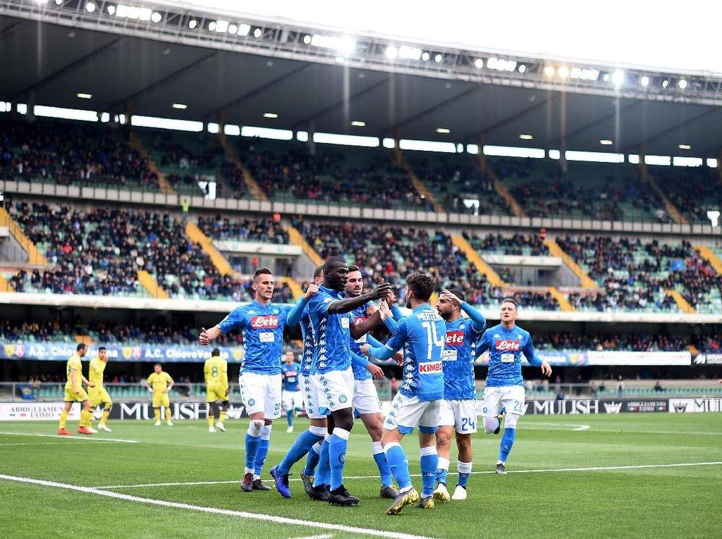 Harapan Italia di Kompetisi Eropa Kini di Pundak Napoli