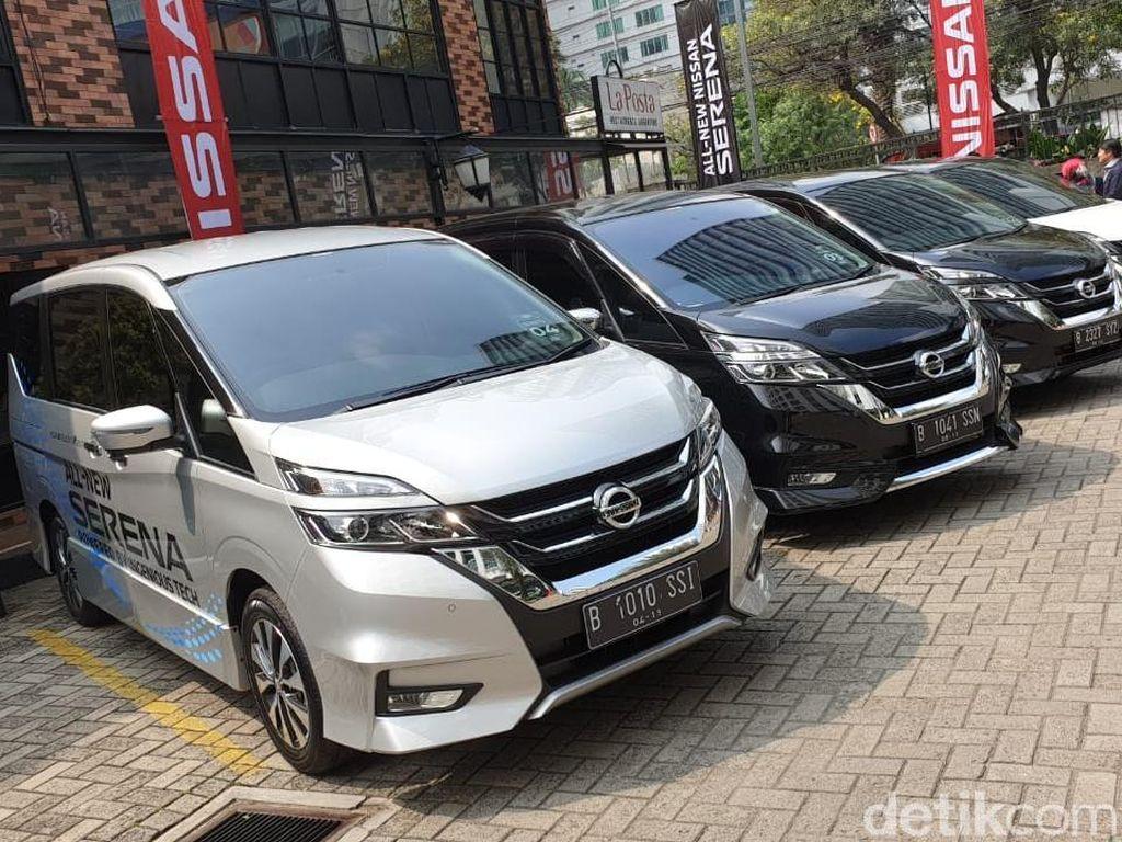 Nissan: Indonesia Belum Butuh Fitur Sunroof di Serena
