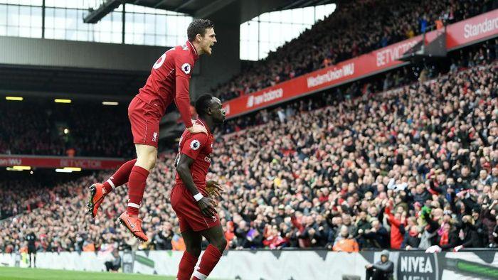 Sadio Mane mencetak gol pertama dari dua yang dibuat Liverpool ke gawang Chelsea (Michael Regan/Getty Images)