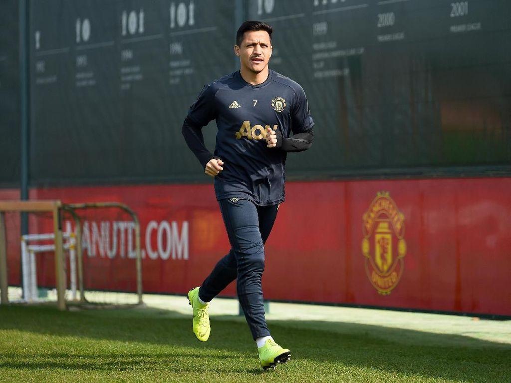 Sanchez Masuk Skuat MU untuk Hadapi Barca