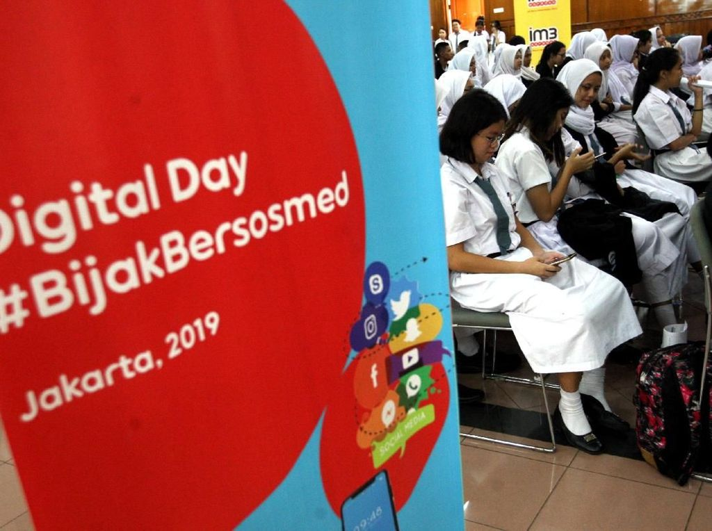 Serunya Roadshow Program CSR Digital Day