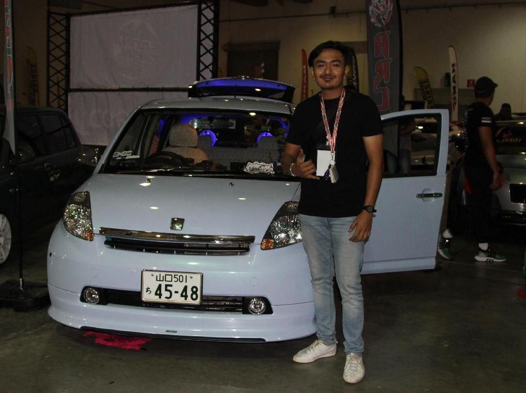 Bukan Cuma Gaya-gayaan, Pria Ini Modif Mobil untuk Kaum Difabel
