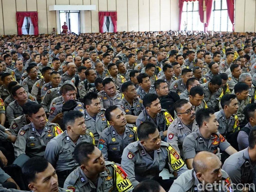 Setiap 2 Polisi di Kota Bandung Kawal Pengamanan 12 TPS