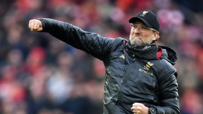 LIVERPOOL, ENGLAND - APRIL 14:  Jurgen Klopp, Manager of Liverpool celebrates victory after the Premier League match between Liverpool FC and Chelsea FC at Anfield on April 14, 2019 in Liverpool, United Kingdom. (Photo by Michael Regan/Getty Images)