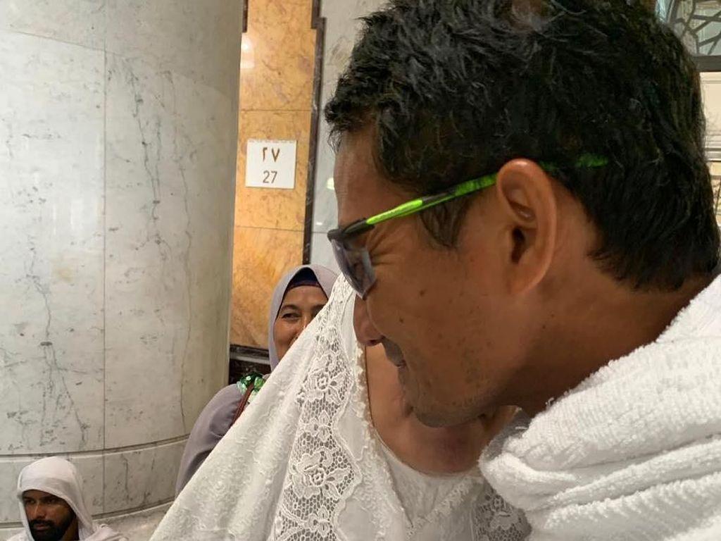Sandiaga Posting Foto Saat Umrah: Cintaku di Tanah Suci