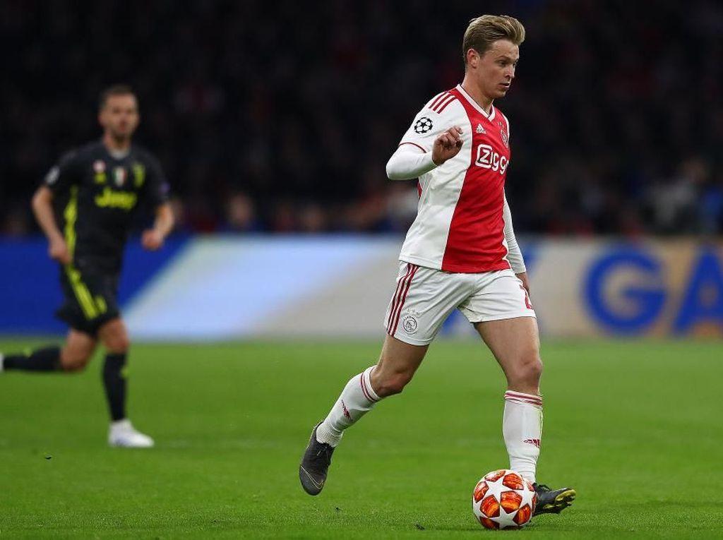Juventus vs Ajax: De Jong Diragukan Main