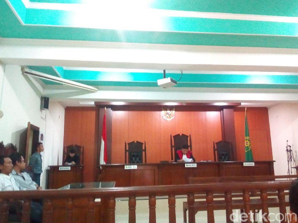 Hakim Kabulkan Gugatan Praperadilan Bos Rokok Asal Jepara