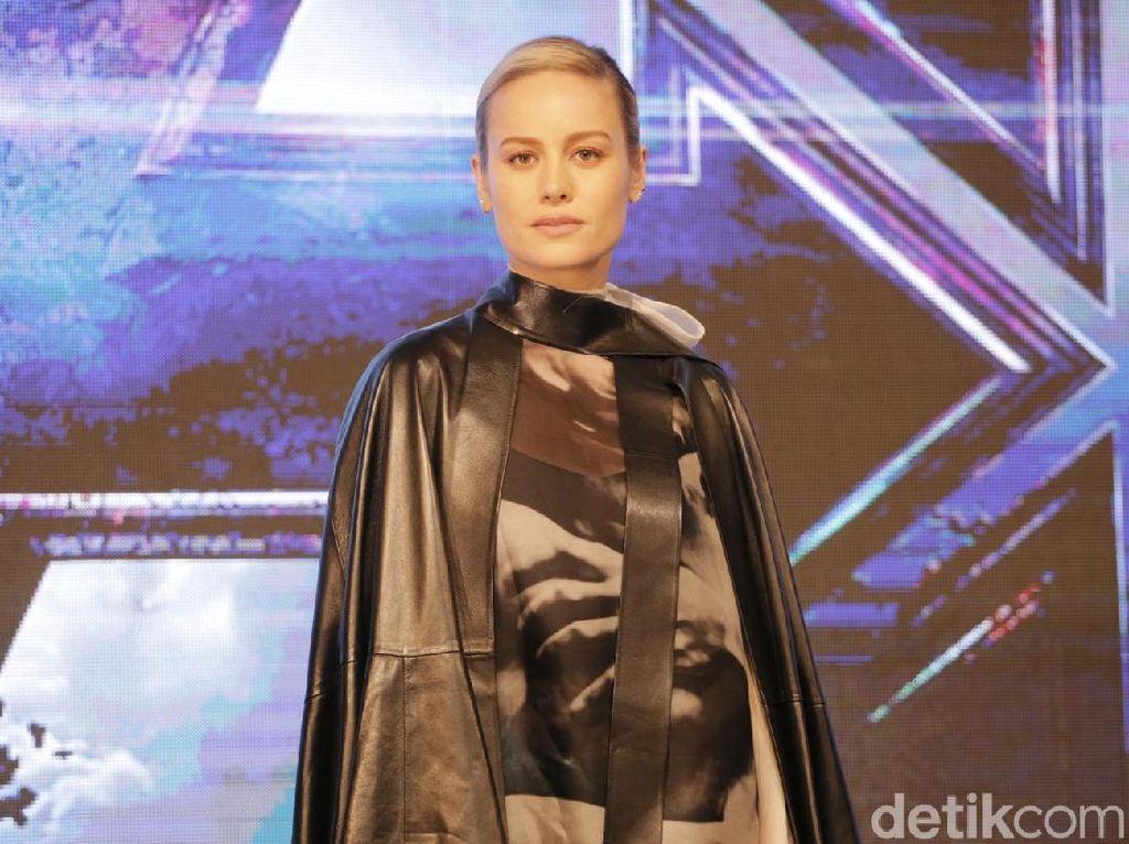 Captain Marvel Kalahkan The Dark Knight Rises