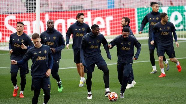 Manchester United Kehilangan Pemain 'Penjaga'