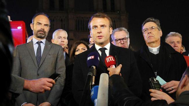 Presiden Macron: Kita akan Bangun Kembali Gereja Notre Dame Bersama-sama