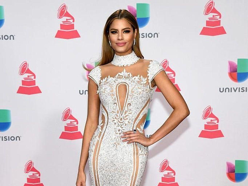 Seksinya Wanita yang Pernah Viral karena Cuma 5 Menit Jadi Miss Universe