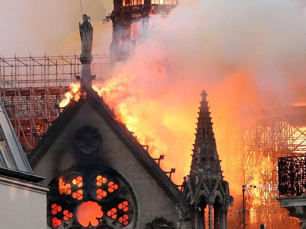 Duh! YouTube Samakan Kebakaran Notre Dame dengan 9/11