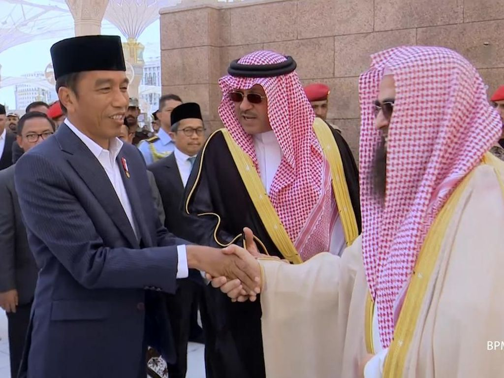 Video Jokowi Ziarah ke Makam Nabi Muhammad SAW