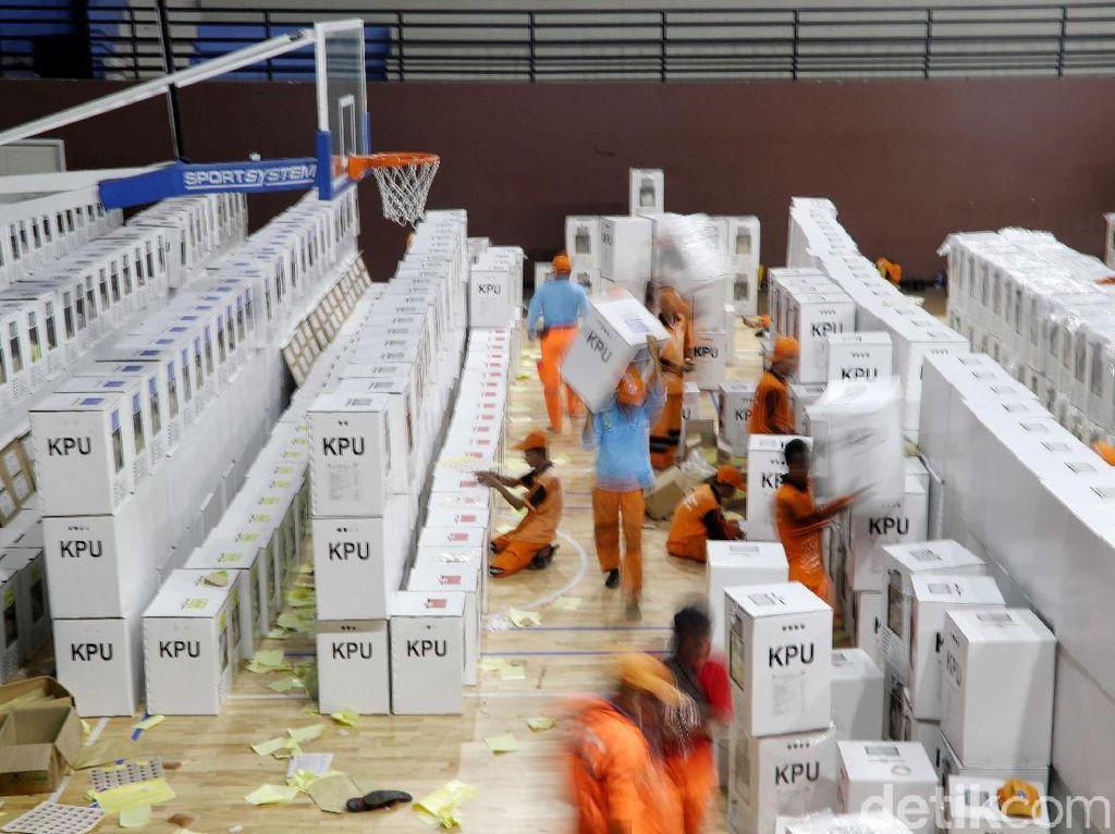 PPSU Bantu Distribusikan Logistik Pemilu di Jakarta Utara