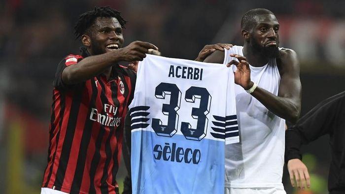 Presiden FIGC mendesak agar Timoe Bakayoko dan Franck Kessie dihukum karena selebrasi kontroversial. (Foto: Juan Medina / AFP)