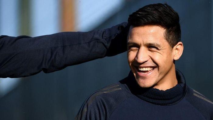 Alexis Sanchez mesti menjadi starter di musim depan. (Foto: Franck Fife / AFP)