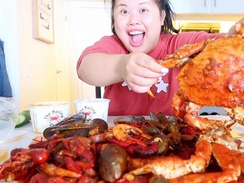 Makan Kepiting hingga Ramen, Wanita Ini Dibayar Hingga Rp 1,4 Miliar