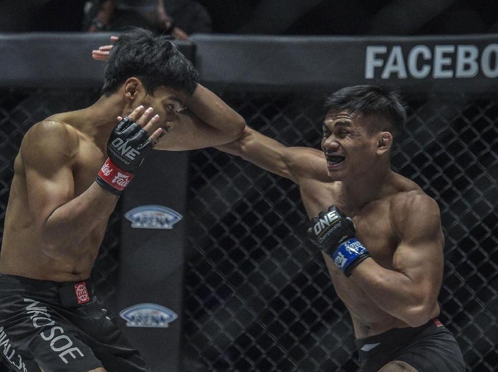 Debut di ONE Championship Filipina, Eko Roni Dikalahkan Petarung Singapura