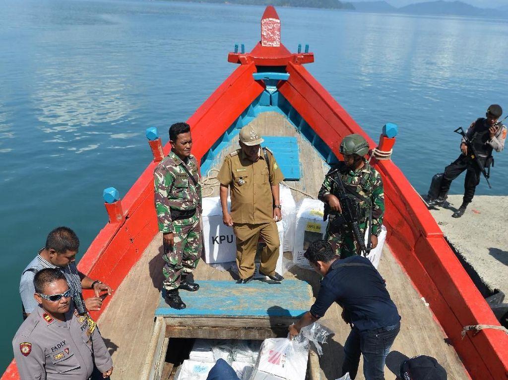 Distribusi Logistik Pemilu di Pulau Terluar Aceh